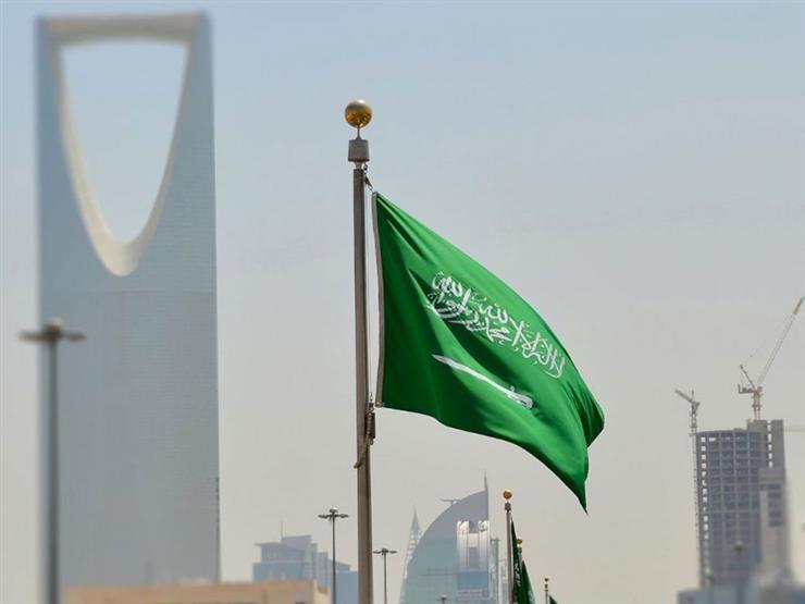 مصادر:  الإقامة المميزة لن تُعطي لحاملها الحق في الحصول على الجنسية السعودية.(عكاظ)