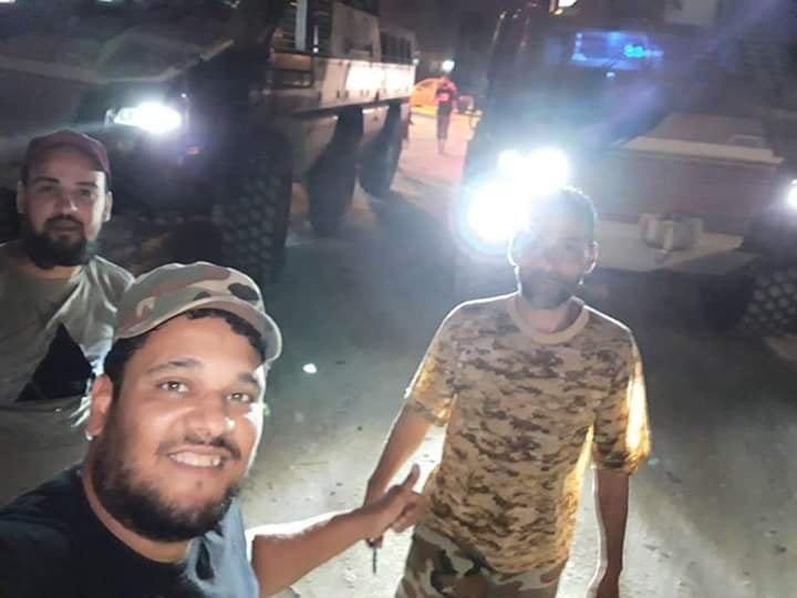 ظهور مدرعات الاردنية المارد 8x8 و المومباي 6x6 و الوحش 4x4 في ليبيا D68t2vxX4AErGaZ