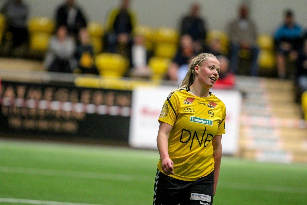 #topsserien Therese Sessy Asland opened scoring in just 2min, @LSKKvinner defeated Sandviken 3-1 away https://toppfotballkvinner.no/kampfakta/?matchID=7166215&aclubID=1718&hclubID=803&hid=471&aid=698…