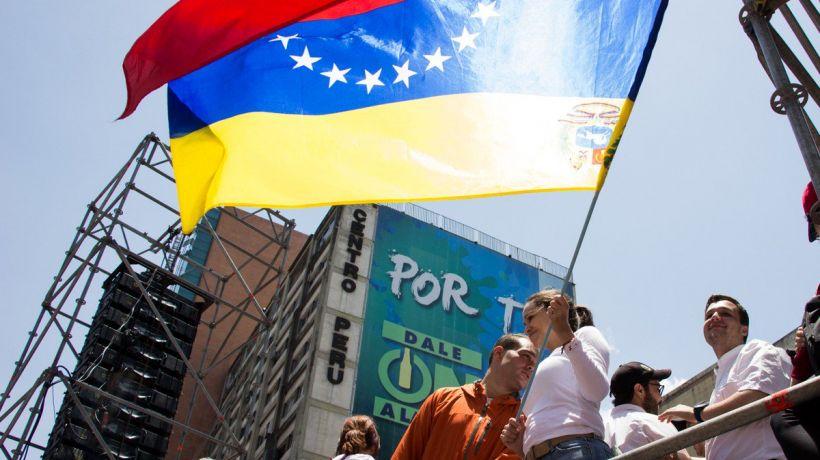Odiar a tu país (ocho frases antichavistas para el recuerdo) bit.ly/2HpK5YF