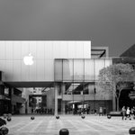 Image for the Tweet beginning: Apple Store Beijing on this