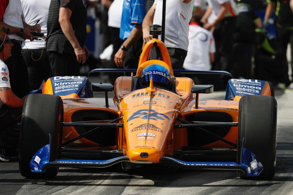 🏁 After completing his qualifying run, Fernando is currently 32nd. ⏱ 4 Lap Avg: 227.353 Now, we wait... #McLaren66 #Indy500