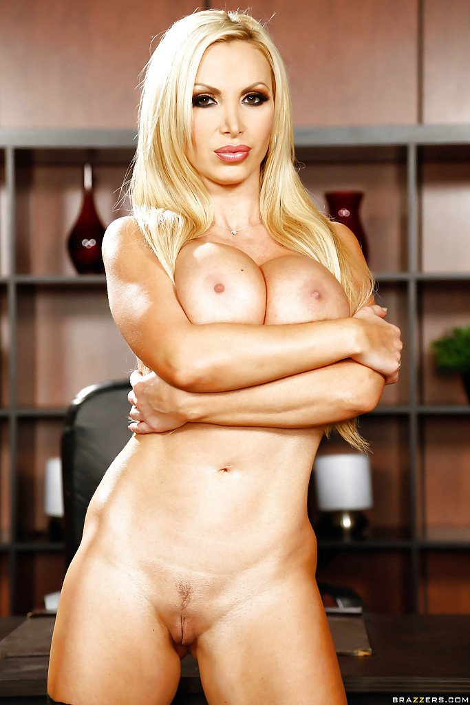 Nikki benz milf nake stocking