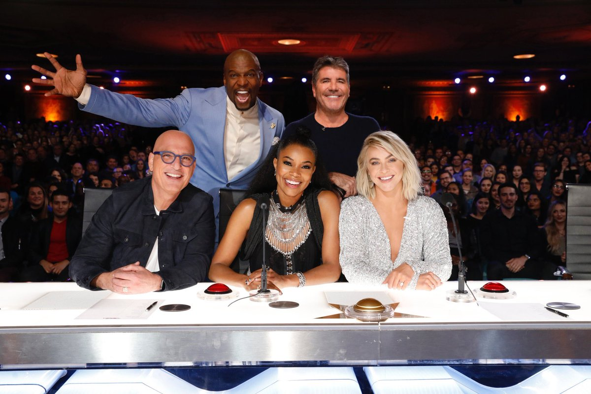 It's great to have @itsgabrielleu, @juliannehough and @terrycrews join  #AGT alongside @howiemandel (who's done this show for 10 years, he made sure to remind us everyday) @AGT https://t.co/9xPgeLph8z