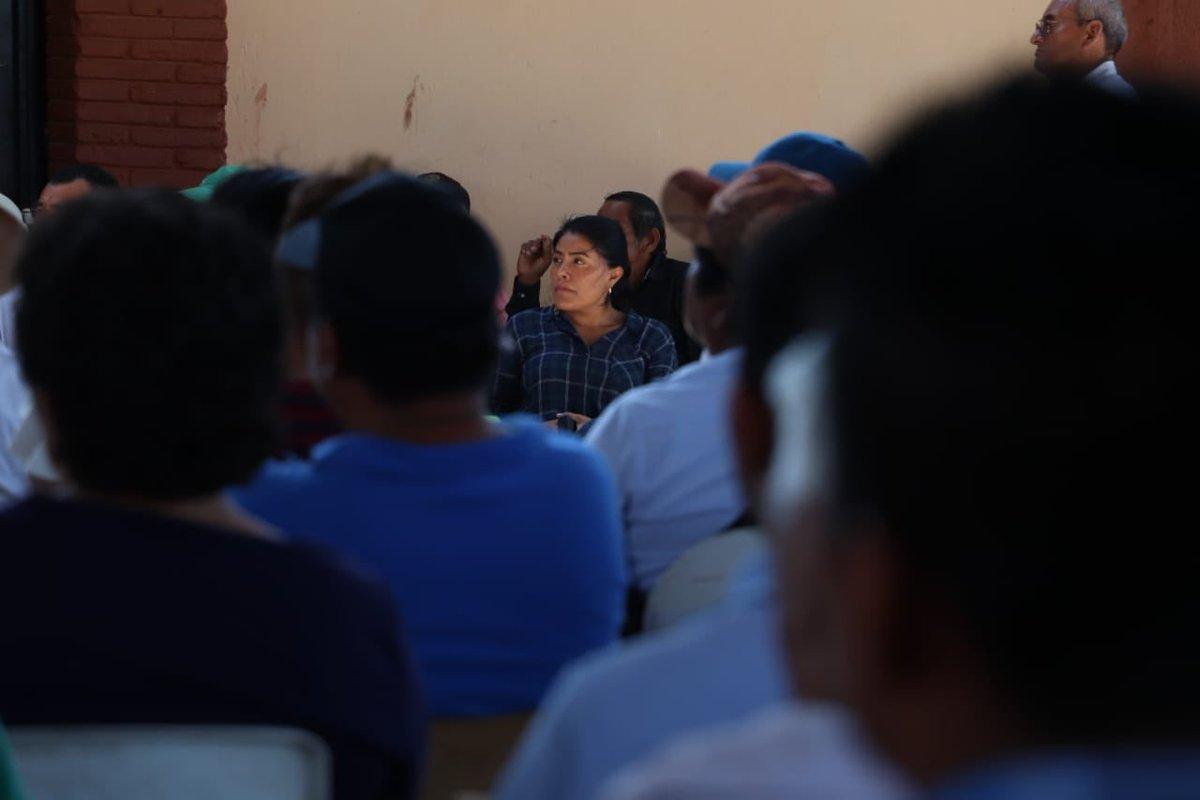 El diálogo con los habitantes de las comunidades ayuda a la retroalimentación sobre el quehacer del servicio público; hoy tenemos la oportunidad de participar en asamblea en Santa María Chimalapa #Oaxaca.  @alejandromurat