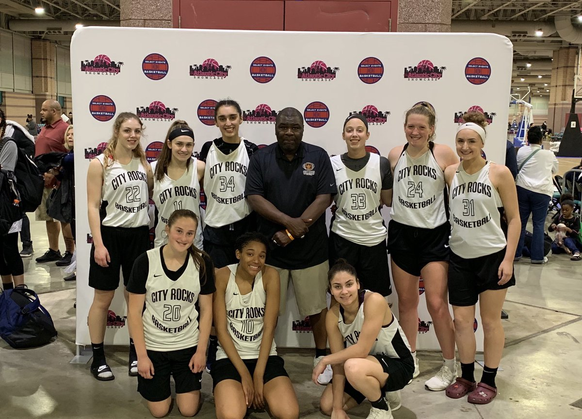 Successful weekend at the Atlantic City Showcase with CBC City Rocks! Great team effort to lead us to a 4-1 record! See you guys at the Black Diamond tournament! @cityrocksworld @girlscbc<br>http://pic.twitter.com/AXsp6XUL4x