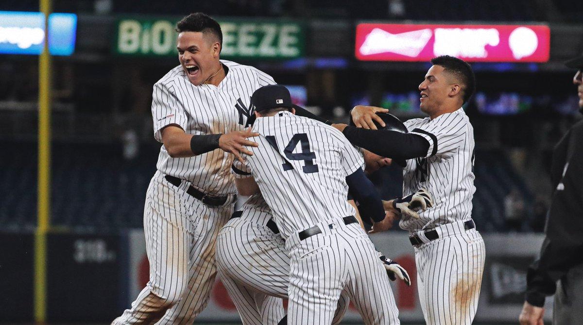LeMahieu caps Yankee comeback with walk-off hit