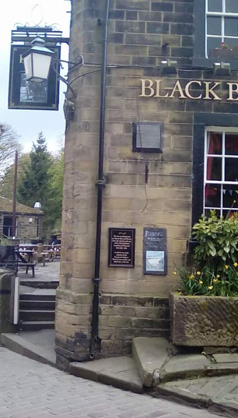 Out and About Looking At History and Art in The UK #fairycam #Art #Outside #Museums #Artists #Travel #Uk #Culture #Haworth #BronteCountry #YorkshireDales #Memories