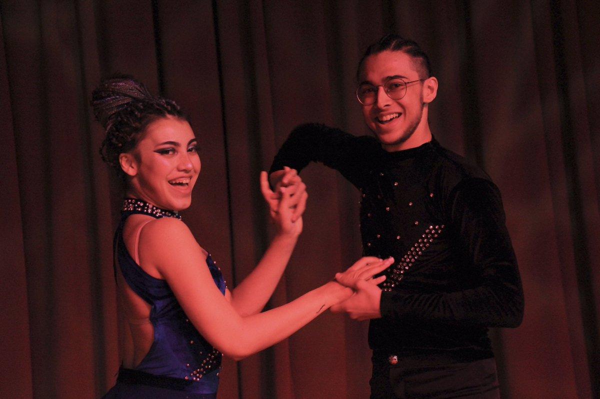 Bahçeşehir Üniversitesi Dans Festivali BAUDANCE Fest ile @BAUDans ekibi ilk defa üniversiteler arası bir dans festivali düzenleyerek, 23 farklı üniversiteden 465 dansçıyı okulumuzda ağırladılar. https://t.co/g7DzdY2Q3Z
