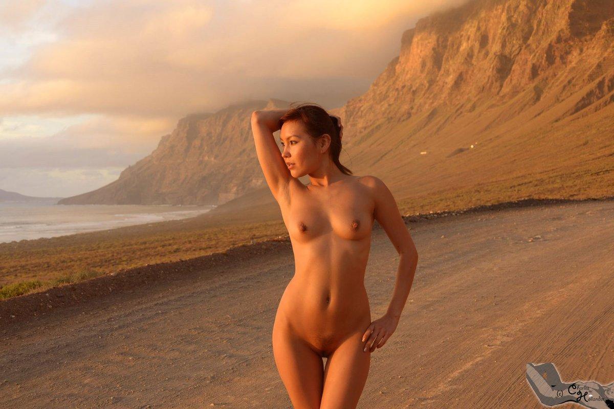 Free nude webcam shows