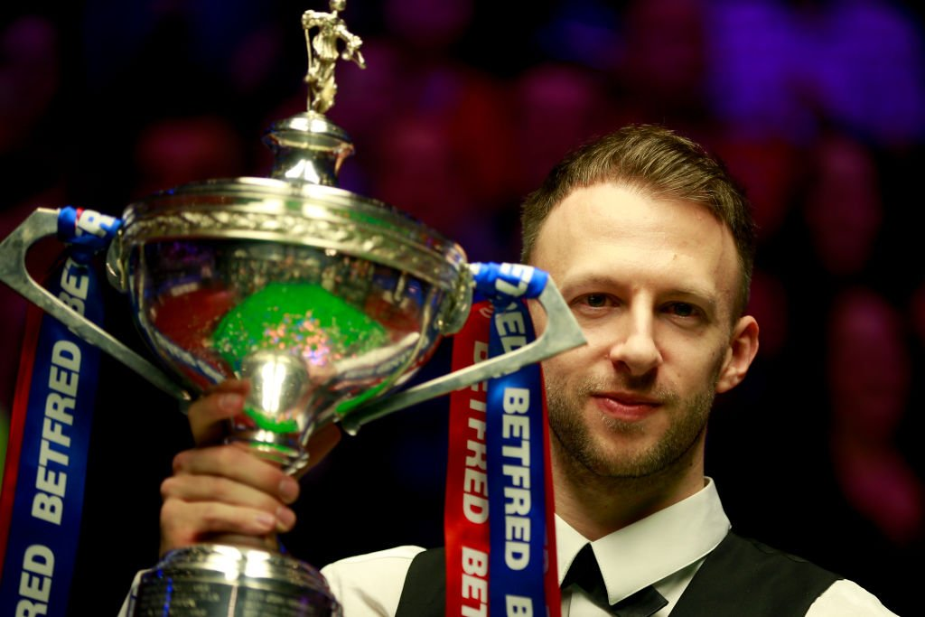 "Had a chat with new world champion @judd147t.He spoke about ""proving the doubters wrong"", replying to messages from Twitter trolls and still enjoying partying...""now and again"". http://www.bbc.co.uk/sport/snooker/48189711 …"