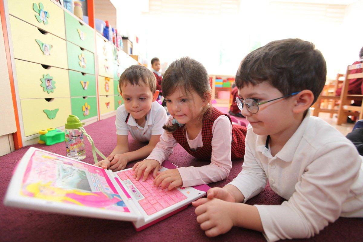 Okul öncesi eğitimi hiç almamış çocuklarımız için Temmuz ve Ağustos'ta iki aylık yoğunlaştırılmış ücretsiz anaokulu eğitimleri düzenlenecek.   Haber👉http://bit.ly/2vMTEdL    #Eğitim2023