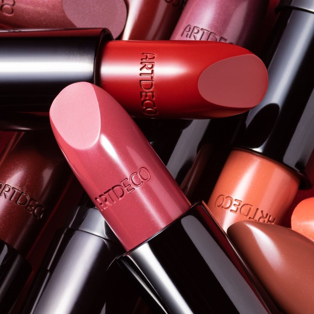 Hue-licious, and color wonderful. These Perfect Color Lipsticks are our perfect spring product for that fresh pop of color!⠀⠀⠀⠀⠀⠀⠀⠀⠀ #artdecocosmetics #perfectteintfoundation #teintastic #longlastingfoundation #yourperfectfoundation #perfectcolorlipstick #springlips