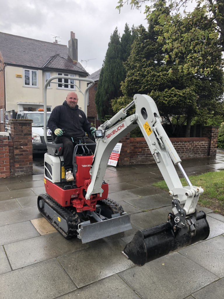 test Twitter Media - One of the small works teams taking delivery of the new toy digger (John is used to driving a 10 ton digger) - this should be interesting #builingextensions #southportbuilders #design&build https://t.co/bEldt7085v