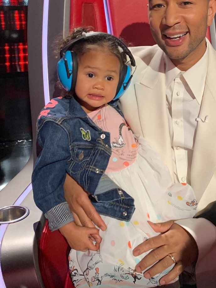 OMG, Luna Re-Created *That* Hilarious Chrissy Teigen Meme Face, and It's Too Good