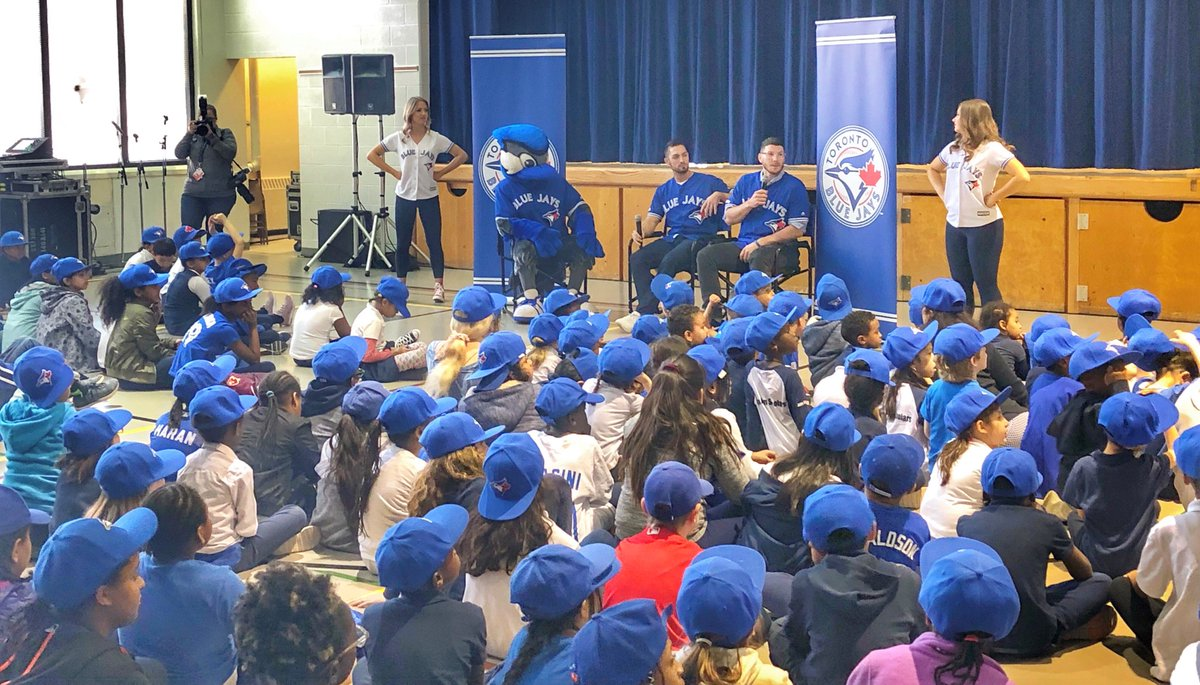 This morning the @BlueJays visited St. Michael Catholic School in Toronto!  St. Michael is one of 4⃣0⃣ schools in 🇨🇦 that participate in our RBI program! #UnstoppableKids
