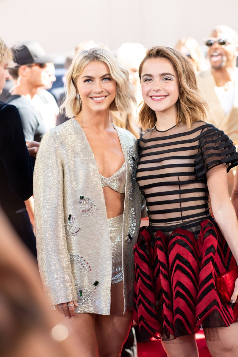 Two true beauties 🌟 @juliannehough @kiernanshipka #BBMAs