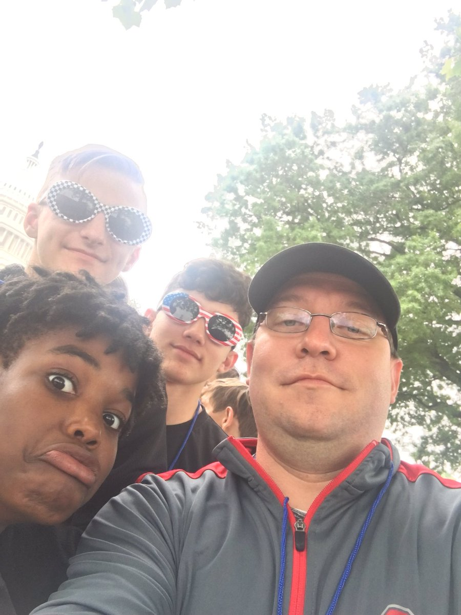 Told you @AnneKostko we would take care of Sam! He and all the others having a great time in DC! #8thgradetrip <br>http://pic.twitter.com/Yi7d7WMcGU