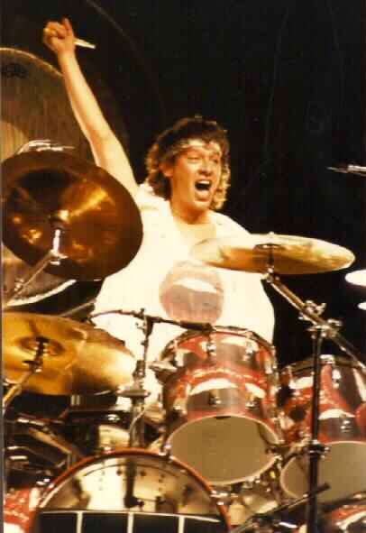 Crack de los tambores.Happy birthday Alex Van Halen