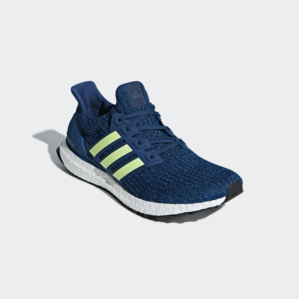 f977044d9 Sizes restocked on  FinishLine. adidas Ultra Boost 4.0 Marine. Retail  180.  Now  90. Use code BLOOM10 in cart. —  https   bit.ly 2JjB8Bv   adpic.twitter.com  ...