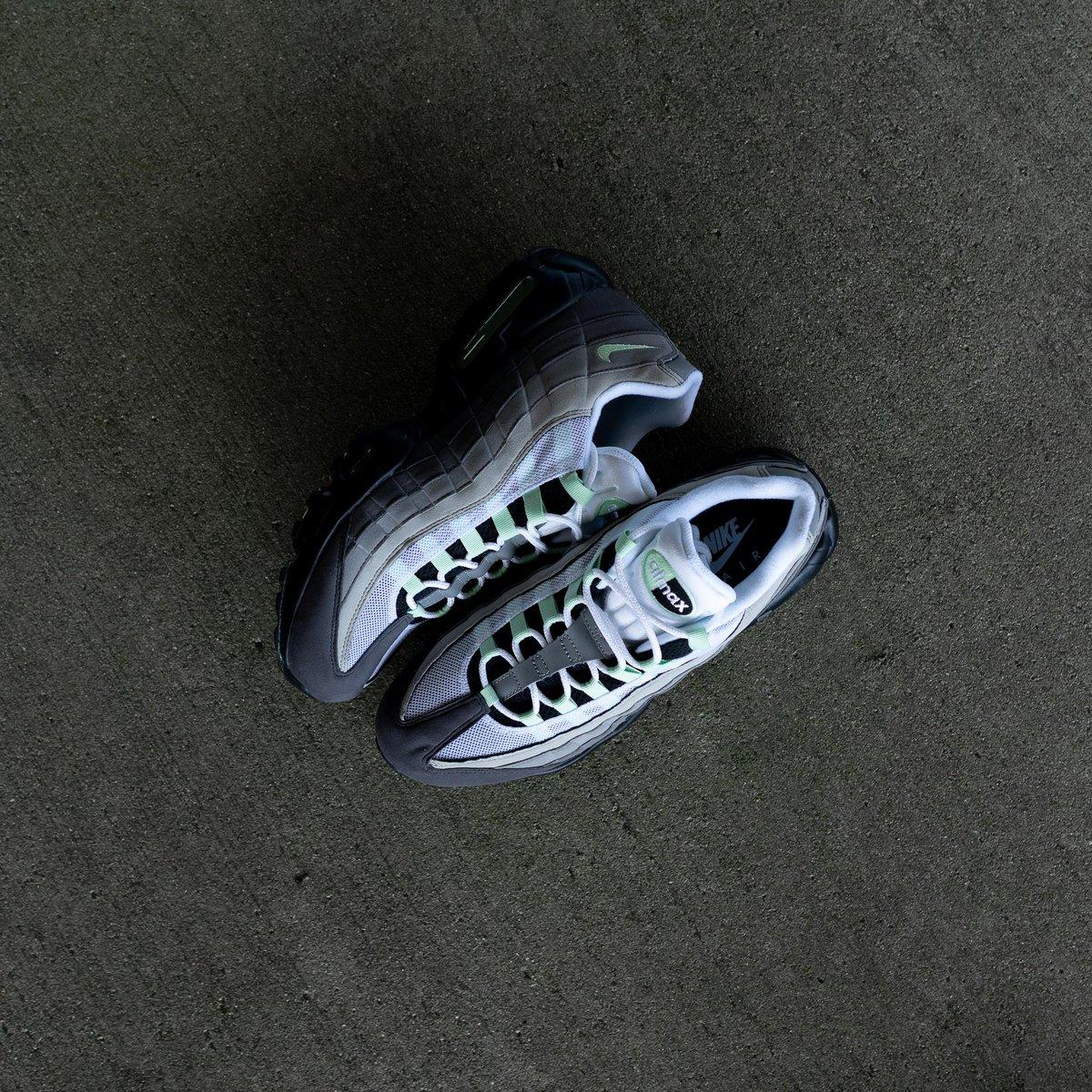 15e3ae750b586 Hibbett Sports ( hibbettsports)