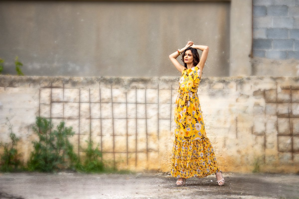 9ab24035c579 Επίλεξε ένα αέρινο φόρεμα με αισθησιακές λεπτομέρειες στα πιο φρέσκα  χρώματα και prints της σεζόν! Shop Floral Dress   http   bit.ly 300AOhd ...