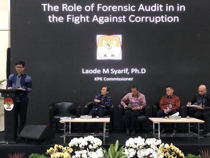 """Laode Syarif, """"Pemberian tip adalah metode deteksi paling umum dalam menemukan fraud. """""""