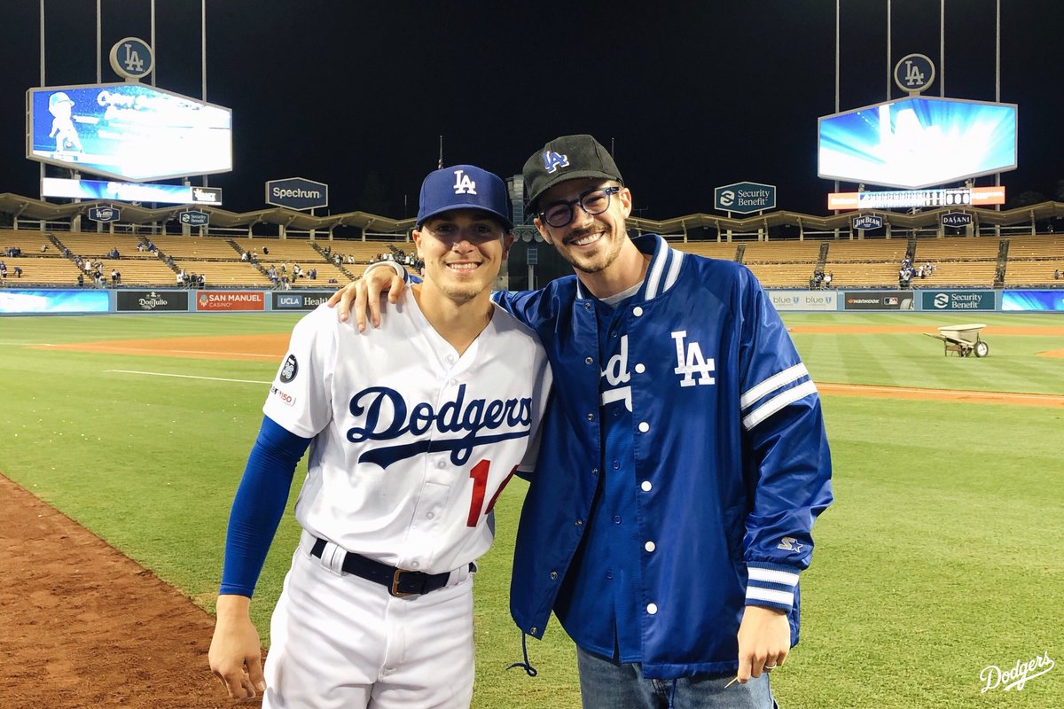 """""""My name is Kiké Hernández and I'm standing next to the fastest person alive."""""""