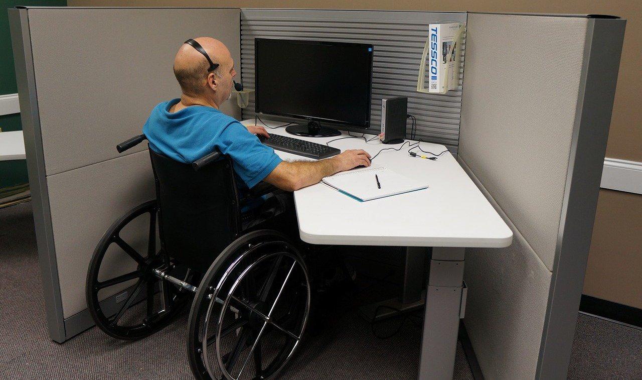 Картинки работающие инвалиды