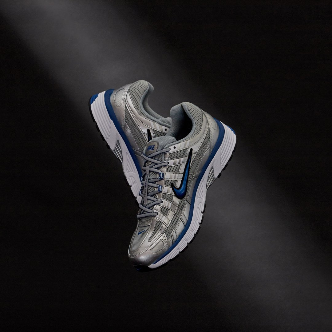 2bafbaba4fcc4 ... lifestyle shoe inspired by the 2000s era of the brand s Pegasus running  line.  Nike  nike  sneakerlaunch (product code  18960)pic.twitter .com O546v9yz6E