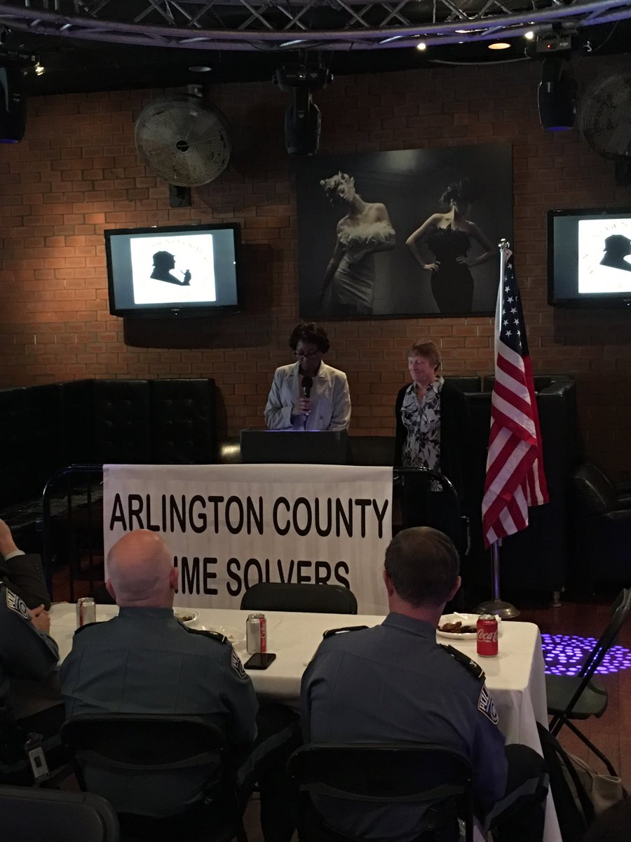 Congrats to Lt. Noack for being a recipient of the Arlington County Crime Solvers Law Enforcement Officers of the Year Award!  Thank you for your service to our school community <a target='_blank' href='https://t.co/zbvY4e7Ejo'>https://t.co/zbvY4e7Ejo</a>