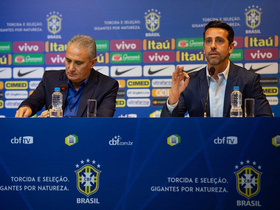 現役時代にアーセナルで活躍した元ブラジル代表MFエドゥー氏が、コパ・アメリカ終了後にブラジル代表の仕事を辞めるとの噂が浮上。  古巣アーセナルからのスカウトに応じて転職するようですが、当人やCBFは(今のところ)否定しています。 #soccer #futebol #brasil