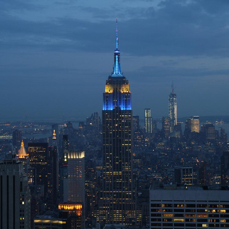 Happy #EuropeDay 2019!  Tonight look up to the sky as one of the great icons of #NYC - the @EmpireStateBldg - will light up in the #EU colors blue & yellow!  Denmark has been an active member of the EU since 1973.   #EuropeDay2019