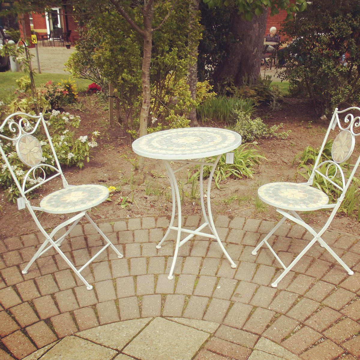 Wirral Hospice On Twitter 99 Mosaic Gardentable 2x Chairs On Our Ebay Https T Co Mtdvpfoepw Loveshopping Shopping Bargain Wirralhospice Wirral Garden Summer Sun Https T Co H9b8hzc04m