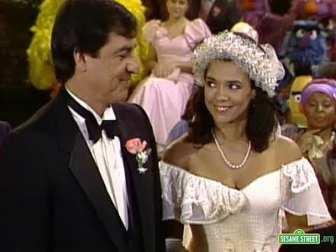"""ToughPigs: Muppet Fans Who Grew Up a Twitter: """"Sesame Street's 19th season not only featured the wedding of Maria and Luis, but also their entire courtship! Read more in the latest installment"""