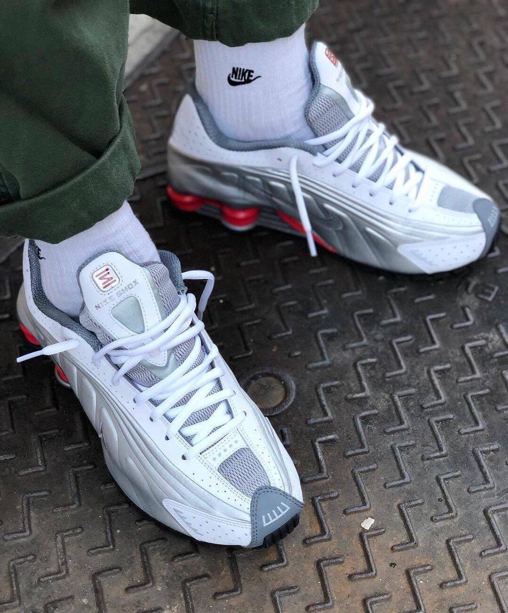 71c31b9a45682 Sneaker Deals GB ( SneakerDealsGB)