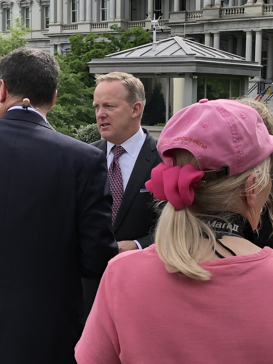 #SeanSpicer was in the White House today. He said that he came here to meet the Red Sox team.