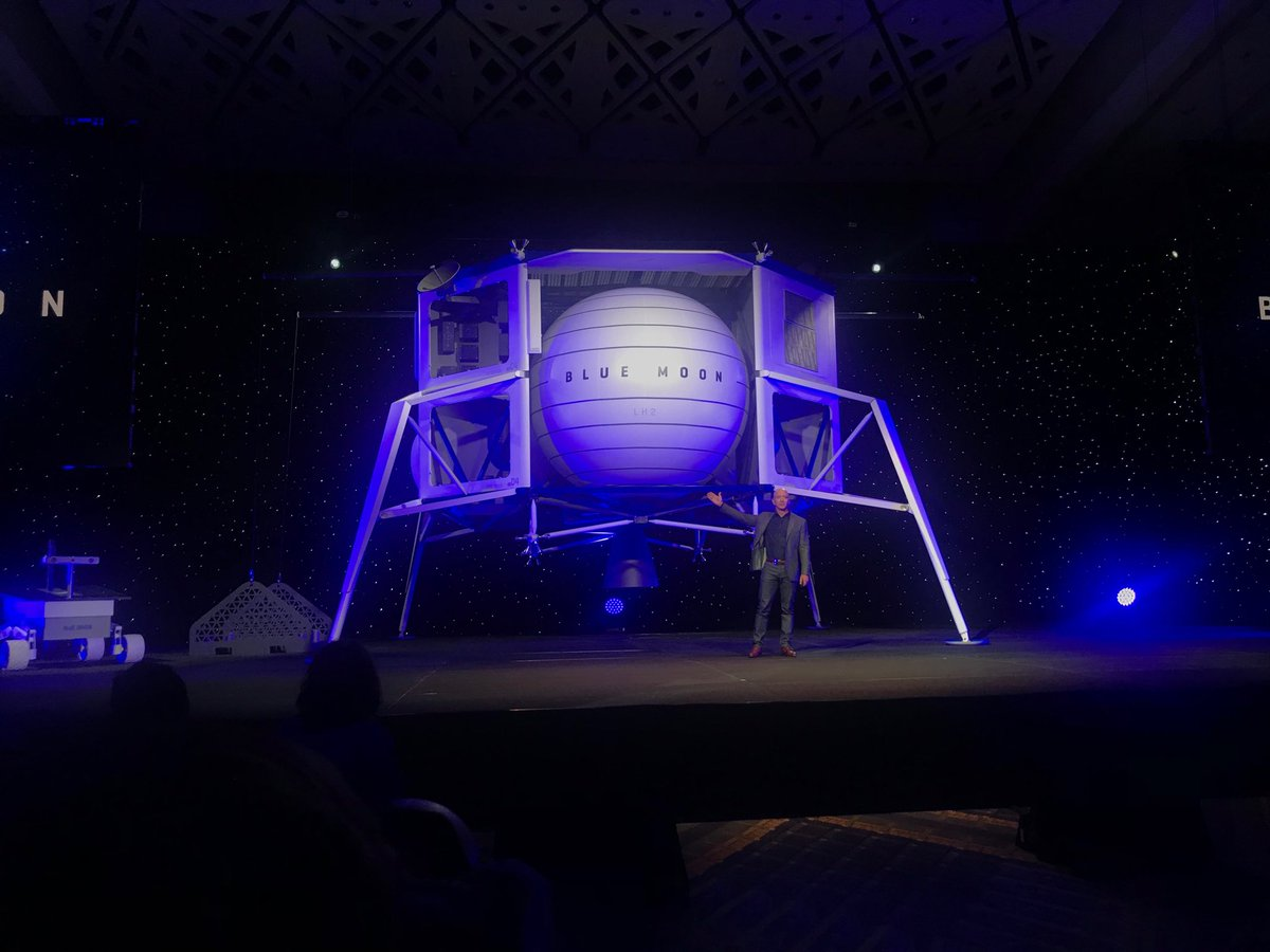 Jeff Bezos Reveals Blue Origin's Lunar Lander 'Blue Moon'