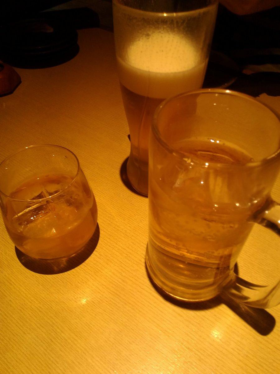 友人の就職祝いで飲みに来ました。