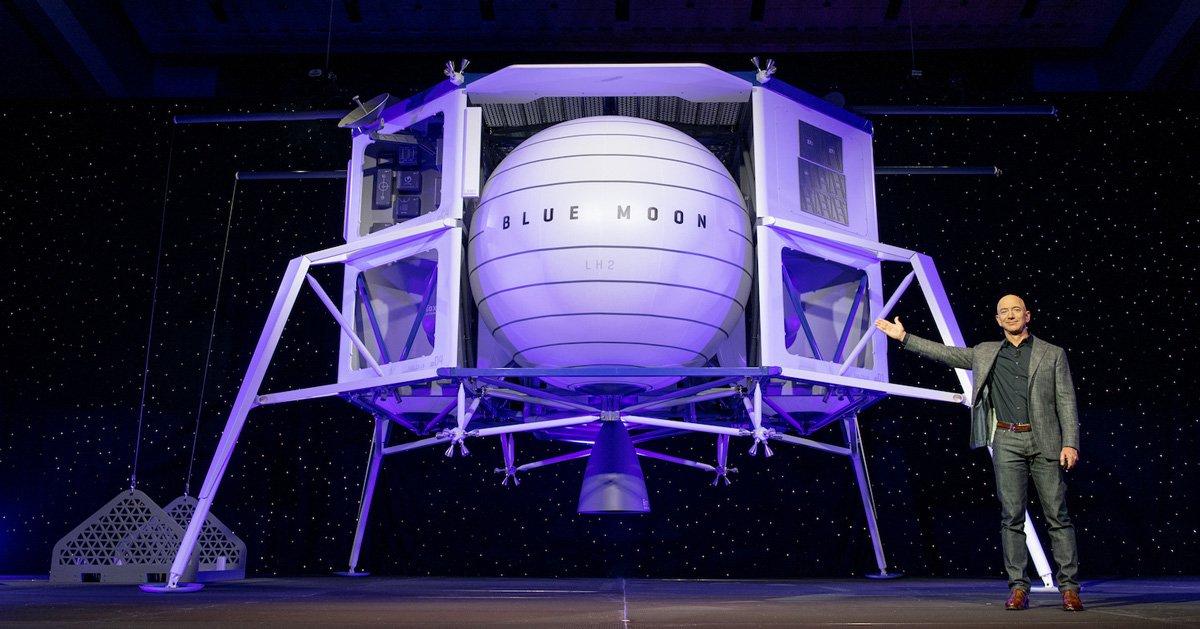 جيف بيزوس يكشف عن مركبة Blue Moon لنقل رواد الفضاء إلى القمر  D6Mn7FCU0AA4ZoG