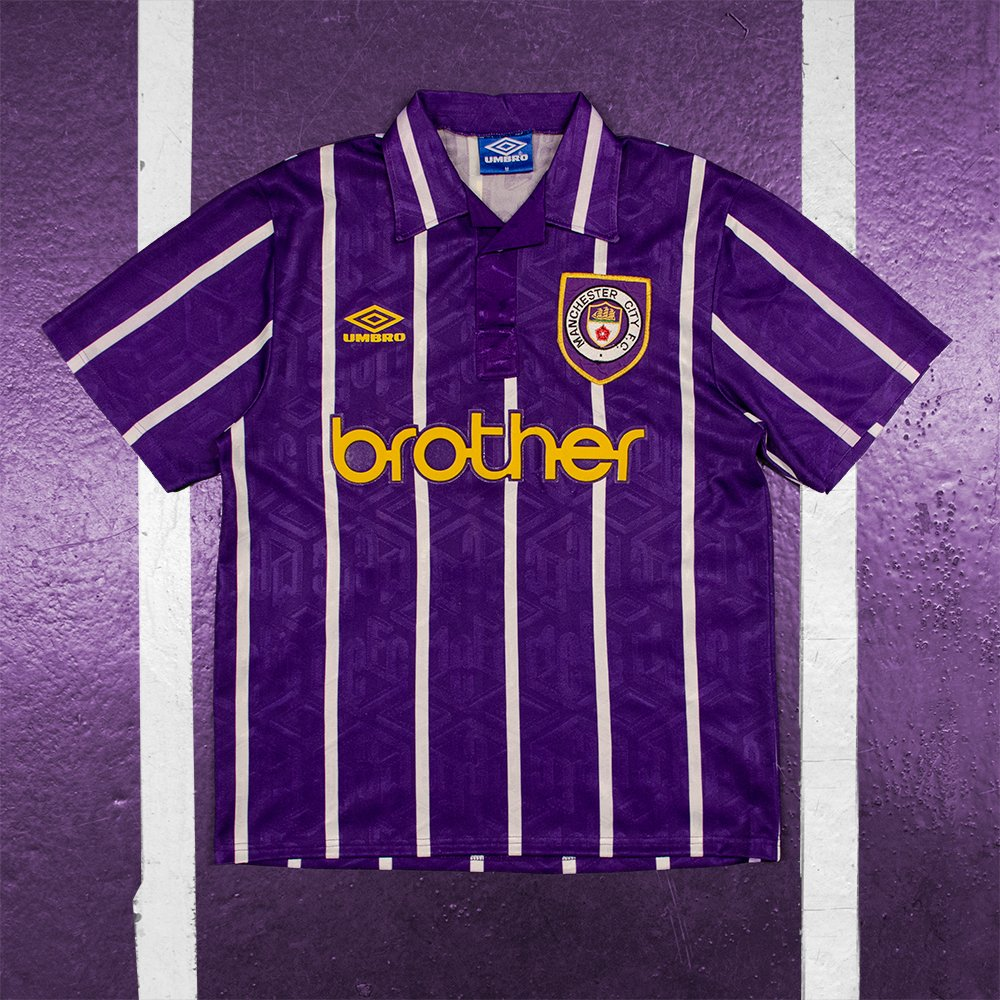2f4a86f48 Classic Football Shirts on Twitter: