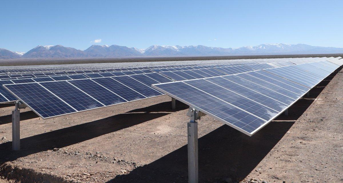 Inauguramos el Parque Solar Iglesia - Estancia Guañizuil, en San Juan. Con una inversión de U$S 104 millones, el proyecto cuenta con 287 mil paneles que generan electricidad para 60 mil hogares a partir de la #EnergíaDelSol.
