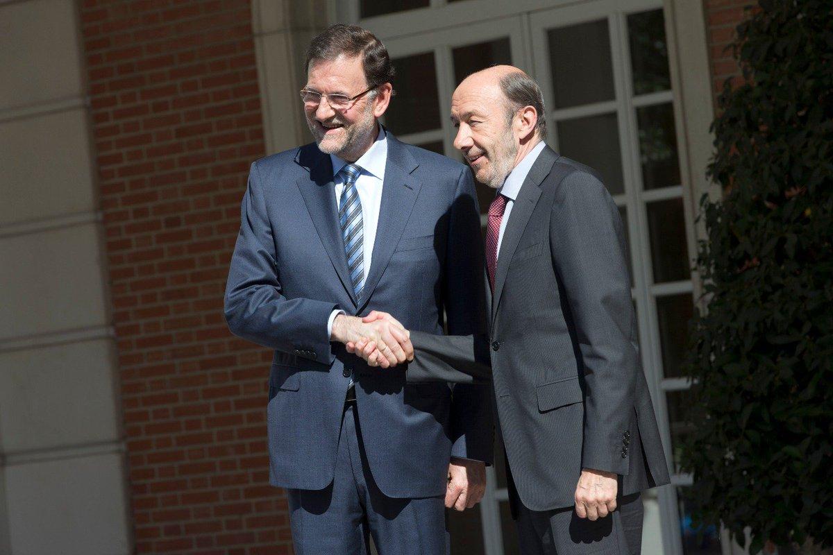 Alfredo Pérez Rubalcaba ha sido una de las personalidades más importantes de la reciente historia de España y como tal merece ser honrado y reconocido. Fue un hombre de Estado y un adversario digno de respeto y admiración. Descanse en paz. https://t.co/UkzqJqYtu5