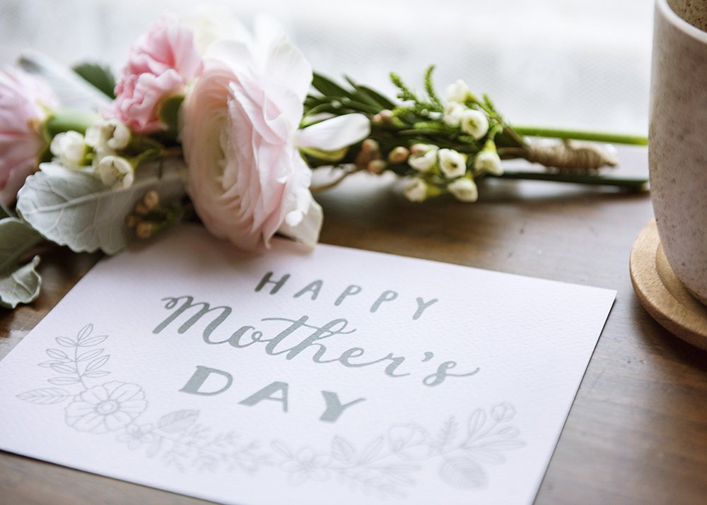 💚💛 Happy Mother's Day, Lindbergh Moms! 💛💚