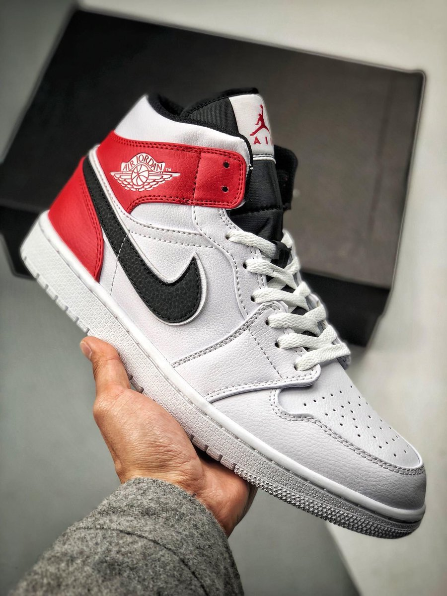 26be5cceadab4 ... new colourways of the Air Jordan 1 Mid that are now available on Nike  CA for only  145 + free shipping https   bit.ly 2J3TuXR pic.twitter .com jRd6kjKioK