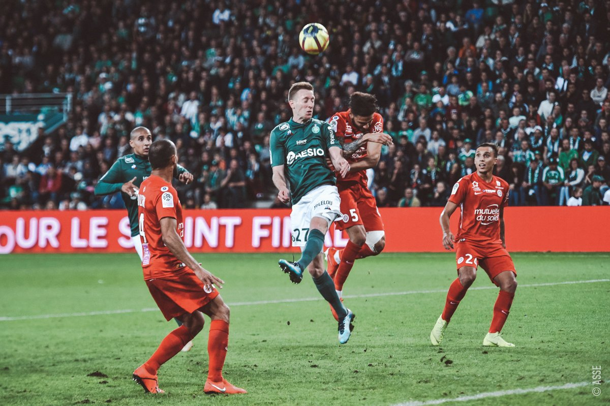 Championnat de France de football LIGUE 1 2018-2019-2020 - Page 21 D6O6a9tWwAYFMn9