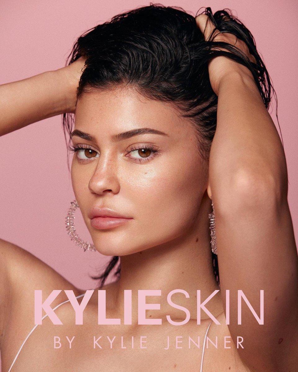 ec300be6377f0 Kylie JennerVerified account  KylieJenner