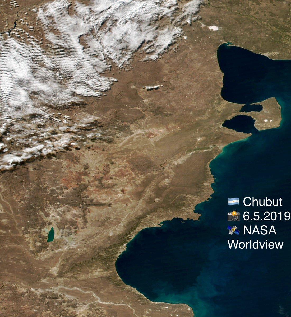 🇦🇷 ¡Provincia del Chubut! La Estación Espacial Internacional se podrá ver hoy a simple vista (si las nubes lo permiten) en todas partes a las 19:22 hrs.         Consejo:  ⏰        pon la alarma   🌎 Tripulación 59 http://www.spacefacts.de/english/e_today.htm… 📸 6.5.2019  NASA https://worldview.earthdata.nasa.gov/?p=geographic&l=VIIRS_SNPP_CorrectedReflectance_TrueColor,MODIS_Aqua_CorrectedReflectance_TrueColor(hidden),MODIS_Terra_CorrectedReflectance_TrueColor(hidden),Reference_Labels(hidden),Reference_Features(hidden),Coastlines(hidden)&t=2019-05-06-T00%3A00%3A00Z&z=3&v=-79.96557690517037,-51.54401917275446,-58.44498910445975,-37.65231161780356&ab=off&as=2018-04-01T00%3A00%3A00Z&ae=2018-04-08T00%3A00%3A00Z&av=3&al=true…