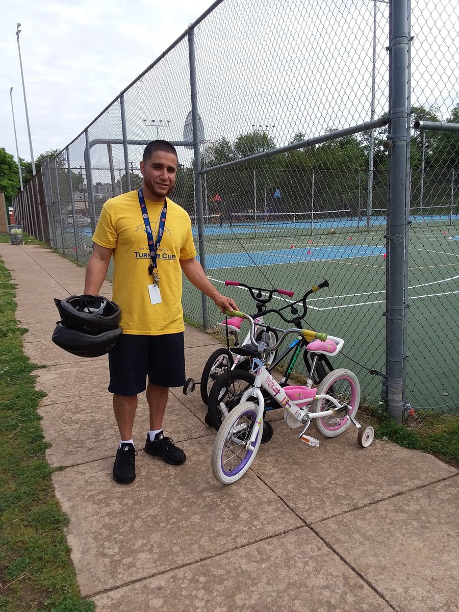 Thanks <a target='_blank' href='http://twitter.com/APSVirginia'>@APSVirginia</a> students/families/staff for biking/walking/rolling on <a target='_blank' href='http://search.twitter.com/search?q=APSBike2SchoolDay'><a target='_blank' href='https://twitter.com/hashtag/APSBike2SchoolDay?src=hash'>#APSBike2SchoolDay</a></a> on May 8. <a target='_blank' href='http://twitter.com/HFBAllStars'>@HFBAllStars</a> are still pedaling since <a target='_blank' href='http://twitter.com/HFBpe'>@HFBpe</a> has the bike unit, thanks to <a target='_blank' href='http://twitter.com/APSFacilities'>@APSFacilities</a> trailer delivery on Tues! Let's keep it up through the rest of <a target='_blank' href='http://search.twitter.com/search?q=BikeMonth'><a target='_blank' href='https://twitter.com/hashtag/BikeMonth?src=hash'>#BikeMonth</a></a> and beyond! <a target='_blank' href='https://t.co/NxhpRm6Brj'>https://t.co/NxhpRm6Brj</a>