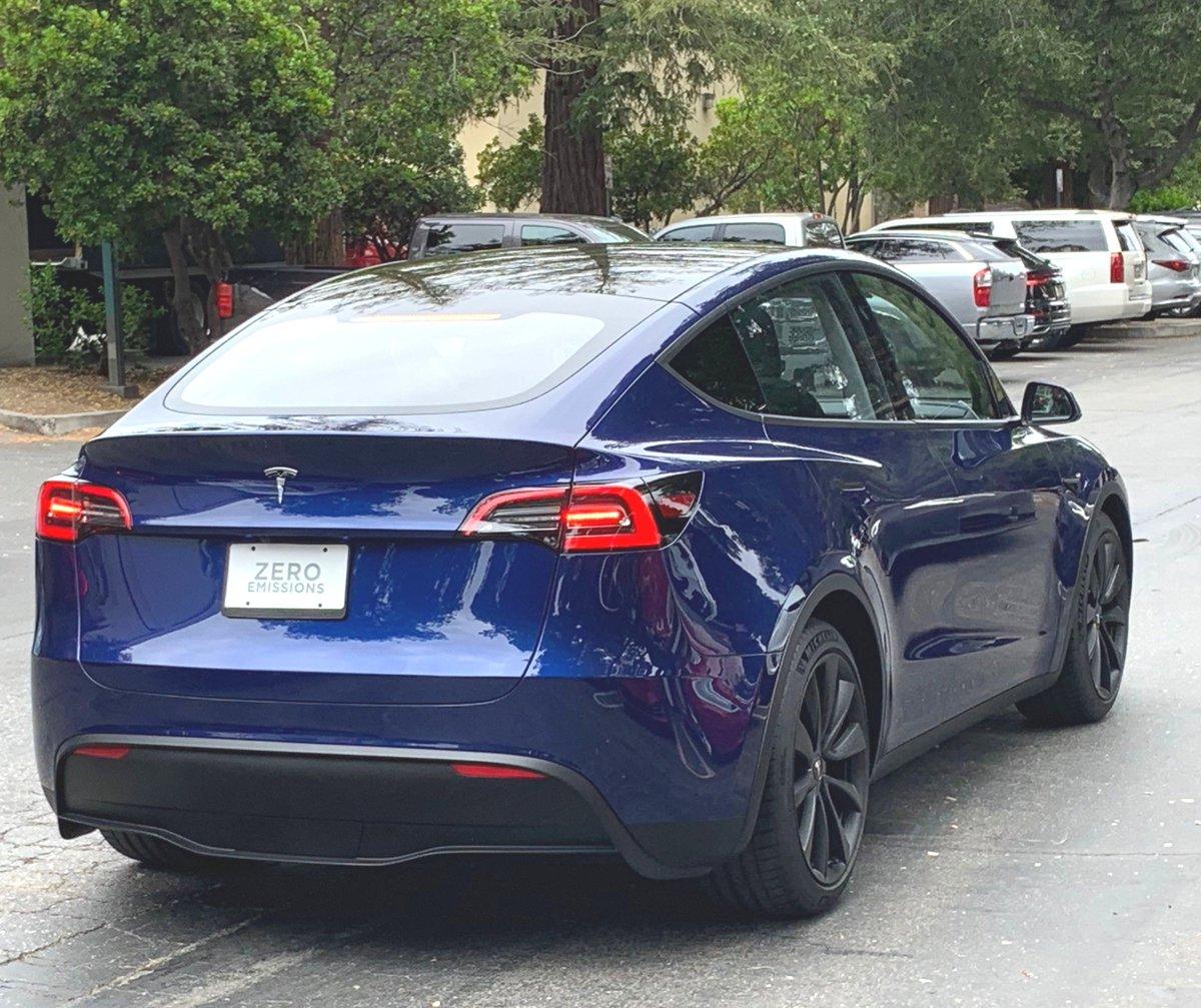 Tesla Model Y (2019) 41